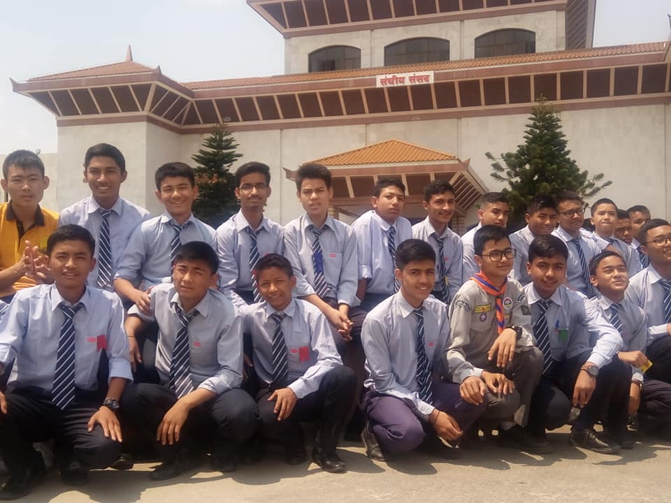 Class 10 students with a Speaker of the House of Representatives